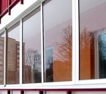 Холодное остекление прямой части балкона 3 метра